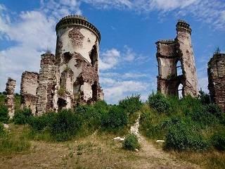 ПЦУ замешана в скандале, связанном с продажей Червоногородского замка