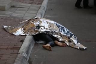 В центре Киева из окна квартиры выпала девушка. Спасти ее шансов не было