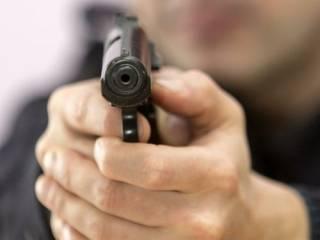 На суровой киевской окраине расстреляли двоих прохожих