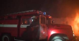 Ночью в Киеве горело общежитие НАУ. Пришлось эвакуировать 350 человек