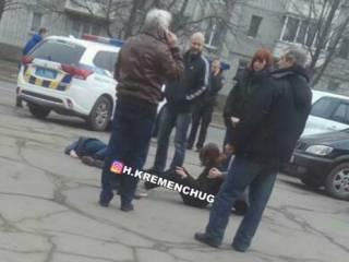 В Кременчуге прямо на дороге «валялись» пьяные девочки-подростки