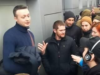 Зеленский пообещал разобраться с беспредельщиками, которые угрожали и обливали мочой журналистов