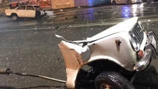 Ночью в Киеве произошла жуткая авария: видео не для слабонервных