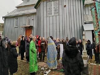 На Буковине сельсовет поддержал незаконную передачу земли под храмом УПЦ сторонникам ПЦУ