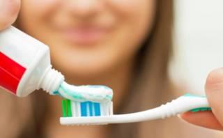 Австрийский стоматолог объяснила, как правильно чистить зубы