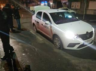 В Днепре толпа избила водителя такси Uber