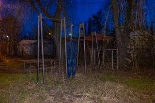 В Днепре пожилой мужчина повесился на спортивной площадке