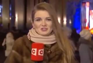 Странное поведение белорусской журналистки в прямом эфире озадачило зрителей