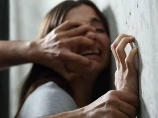В Киеве коварный самозванец изнасиловал юную студентку
