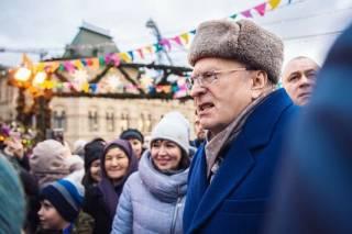Жириновский, раздававший деньги «холопам», вызвал ярость у москвичей