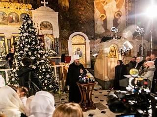 Митрополит Антоний напомнил, что Рождество призывает каждого сделать все для наступления мира