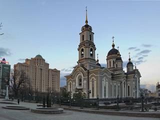 Впервые за 5 лет украинские телеканалы покажут поздравления из собора УПЦ в Донецке