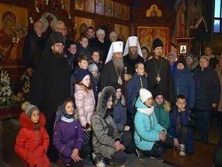 Украинское общество в большом долгу перед детьми, которые живут под пулями – Митрополит Антоний