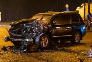 В Киеве Lexus протаранил пассажирский автобус – есть пострадавшие