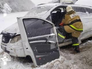 В России Mercedes с украинцами угодил в «лобовое» ДТП ‒ есть жертвы