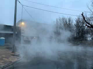 Менее, чем за сутки, в Киеве затопило кипятком еще одну улицу
