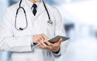 Во Львове врач «по-праздничному» поиздевался над женщиной