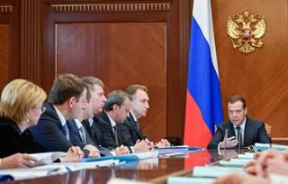 Правительство РФ в полном составе ушло в отставку, чтобы не мешать Путину