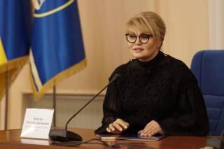 Как Злата Лагутина купается в роскоши или десятки миллионов замначальника главного управления ГФС в Киеве