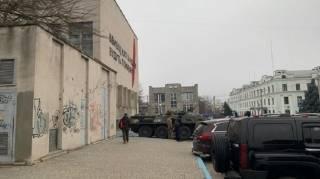 По делу Гандзюк в Херсоне и области проводятся массовые обыски. Подключили даже БТР