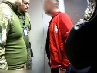 В «Борисполе» с рейса сняли дебошира, который напился еще до посадки в самолет