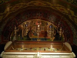 Тысячи верующих УПЦ отмечают память основателя Ионинского монастыря