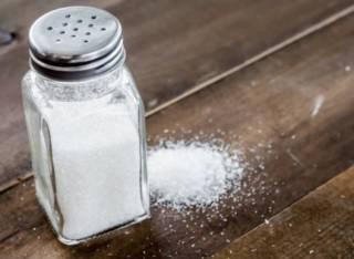 Врачи развенчали популярный миф о соли