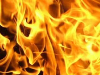 В Черновцах мужчина почти сжег заживо собственную дочь