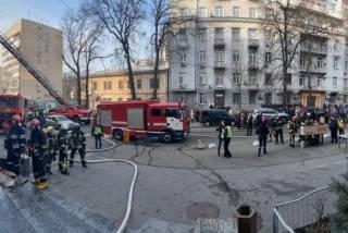 Пожар повышенной сложности охватил здание Министерства культуры в Киеве