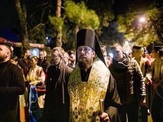 Епископ УПЦ рассказал о молитвенном шествии, на которое вышли 60-70% населения Будвы