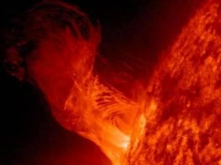 Ученые вычислили, когда Солнце сможет сжечь Землю