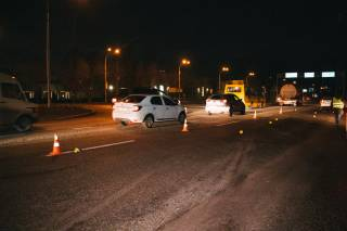 В Киеве автомобиль насмерть сбил молодого парня