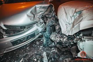 Масштабное ДТП в Днепре: есть пострадавшие