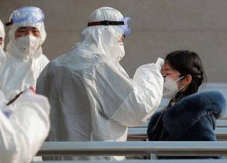 Число жертв китайского коронавируса перевалило за две сотни