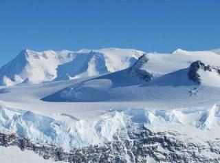 Ученые совершили поход к самому древнему льду на планете