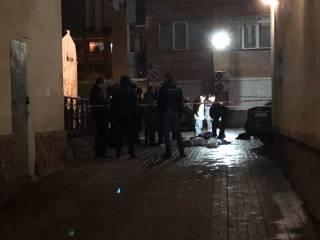 В центре Киева застрелили пластического хирурга: появилось видео выстрела