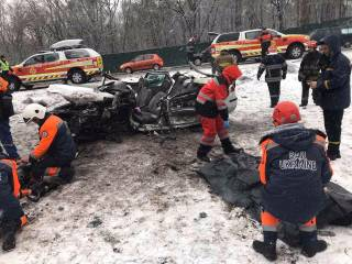 Под Киевом из-за снегопада произошло смертельное ДТП
