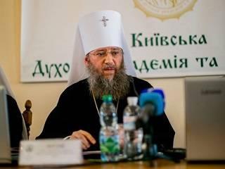 Митрополит Антоний призвал помнить о подвиге святых, благодаря которым возродилась Церковь в конце ХХ века