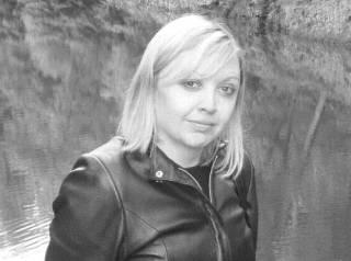 В Киеве внезапно умерла известная журналистка, работавшая на радио «Эра FM»