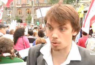 Соцсети взорвала информация о подработках Гончарука в массовке на ТВ и акциях протеста