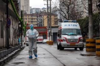 Стало известно, сколько дней китайский коронавирус может «прожить» на предметах