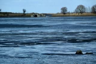 Россия не перекроет Днепр, а запуск воды в Крым грозит непредсказуемыми последствиями