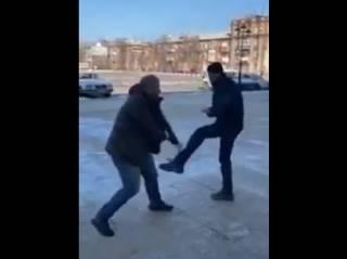 «Девочка, давай!» На Лугащине эпично подрались депутат и помощник нардепа