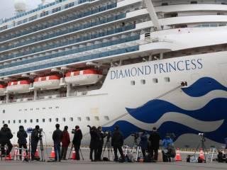 Пассажиры закрытого на карантин лайнера Diamond Princess начали умирать от коронавируса