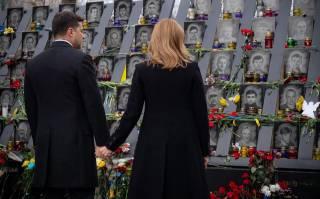 Почему Зеленский почтил липовую сотню, забыв о людях, защищавших мир и общественный порядок?