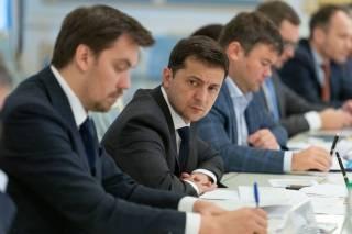 Зеленский пообещал Гончаруку пока не менять его на Тигипко, – СМИ