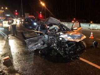 В Киеве Audi на скорости протаранила машину такси ‒ есть жертвы