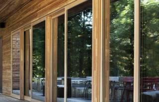 Можно ли приобрести металлопластиковые окна недорого?