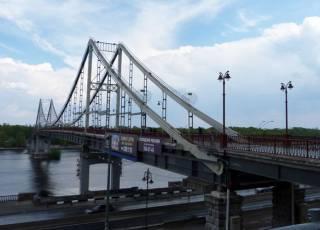 Отпраздновав 8 марта 19-летний студент сиганул с моста в Киеве