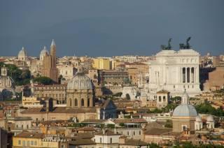 Все церкви Рима впервые в истории закрыли для прихожан